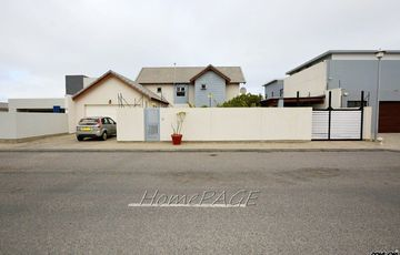 Ext 15, Swakopmund: Attractive Cottage Style Home is for Sale