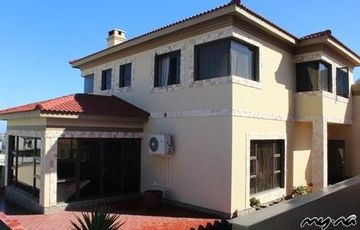 STUNNING & SPACIOUS HOUSE IN SWAKOPMUND, NAMIBIA! SITUATED IN A WELL LOCATED RESIDENTIAL AREA.