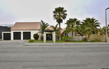 ​Kramersdorf, Swakopmund: A LUXURIOUS LIFESTYLE is for Sale