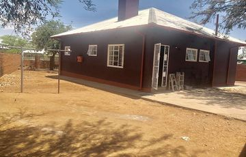 Freestanding House in Windhoek North For Sale