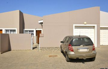Kramersdorf, Swakopmund: Spacious 2 Bedr Unit in Santorini for Sale
