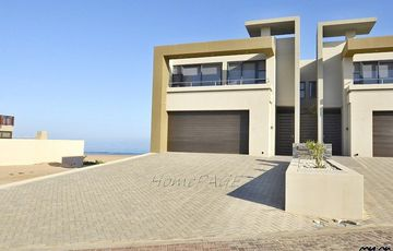 ​Long Beach Ext 2, Walvis Bay: BEACHFRONT Home is for Sale