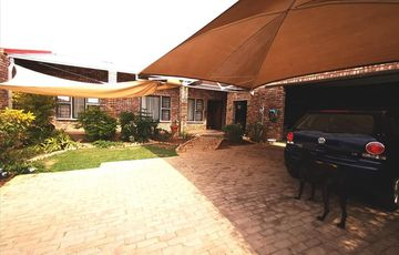 3 Bedroom House For Sale in Pioniers Park Ext 1