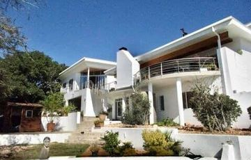 4 Bedroom House For Sale in Klein Windhoek