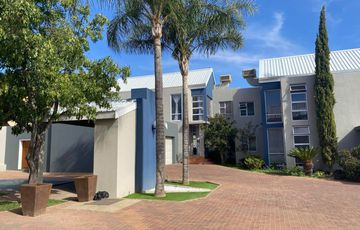 4 Bedroom Townhouse For Sale in Klein Windhoek