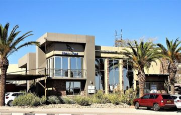 Spectacular commercial building for sale (tenants in place) REDUCED!!!!