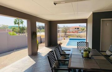 4 Bedroom House For Sale in Hochland Park