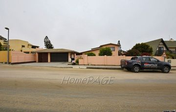 ​Vineta, Swakopmund: Very Neat Spacious Home is for Sale