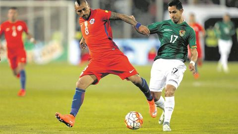 Vidal, Bravo named in Chile squad for World Cup qualifiers