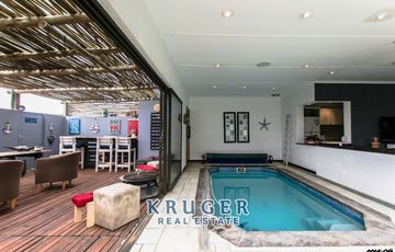 3-bedroom modern duplex with indoor heated swimming pool