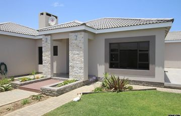 TOUCH OF CLASS!  MODERN, ELEGANT, LIGHT & BRIGHT FAMILY PROPERTY HOUSE FOR SALE IN SWAKOPMUND, NAMIBIA!