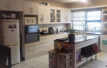 3 Bedroom, 2 Bathroom Townhouse, UPMARKET,SPACIOUS and in Mint Condition. Selling on Valuation. Very Secure and Tranquil. Close to Windhoek Gymnasium