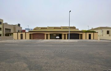 Mile 4, Swakopmund: VERY SPACIOUS, Beautiful Townhouse is for Sale
