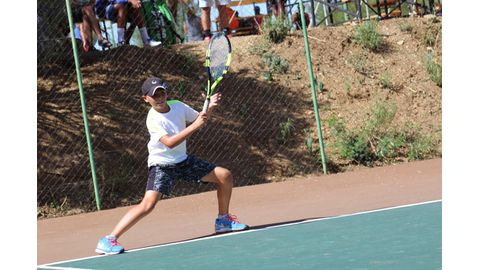 Tennis tourney excites juniors