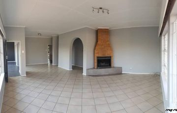 5 Bedroom House/Offices in EROS PARK