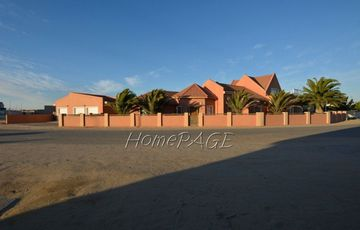 Ext 9, Swakopmund, Large 4 bedroom home with 1 bedroom flat is for sale