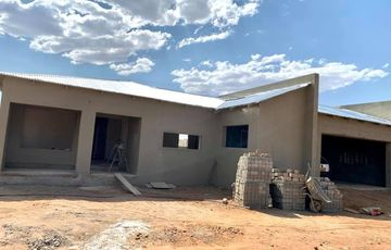 3 Bedroom House For Sale in Academia Ext 1