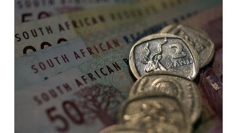 SA rate hikes seen unlikely this year despite weaker rand