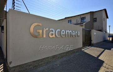 ​Fairway Estates, Walvis Bay: 3 Bedr Townhouse is for Sale