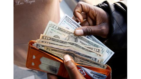 Zim inflation almost doubles, stirring memories of economic chaos