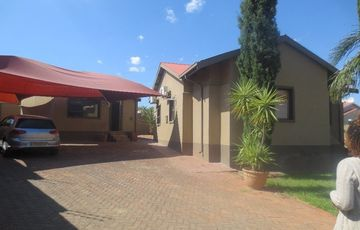 House for sale in Windhoek North close to Rhino Park Hospital