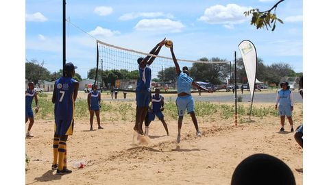 NVF to train volleyball referees