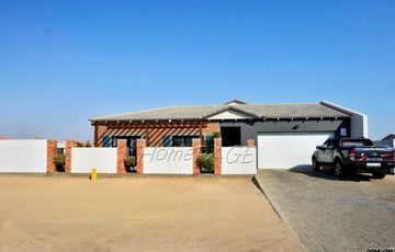 Ext 15, Swakopmund: A SOULFUL Home with a Flat is for Sale