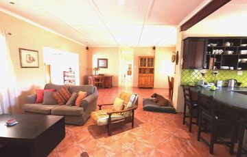 4 Bedroom House For Sale in Olympia