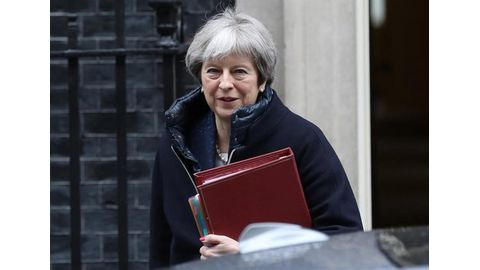 May calls on citizens to back her plan