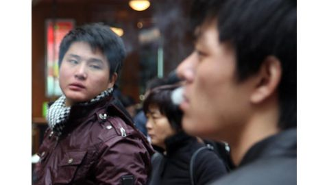 Shanghai stubs out smoking indoors