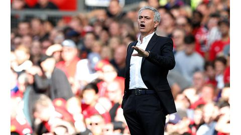 Mourinho dig at 'quiet' Utd supporters