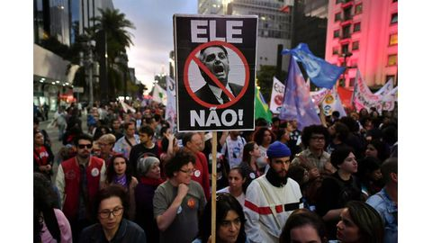 Bolsonaro widens lead
