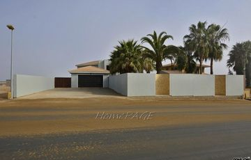 ​Ext 8, Swakopmund: Large Double Storey Home for sale