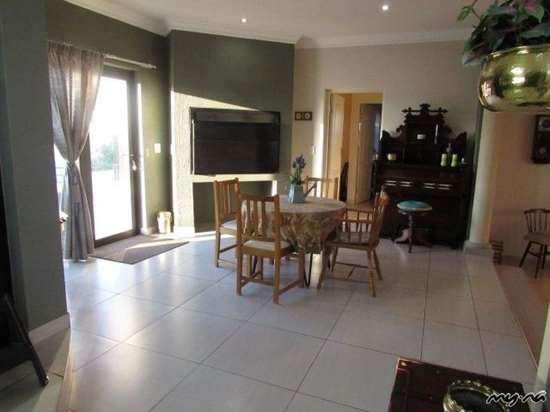 Auto Repair Garages Near Me >> Perfect Family home in Great Neighbourhood - My Namibia