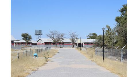 New contractor to finish troubled Ongwediva school