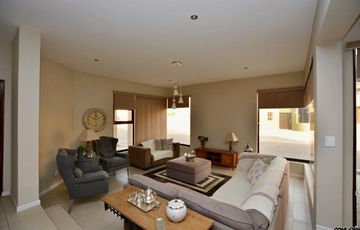Long Beach Ext 1, Walvis Bay:  BEAUTIFUL, UPMARKET Contemporary Home is for Sale