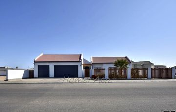 ​Dunes, Swakopmund: Beautiful Home in Beutiful Garden is for Sale