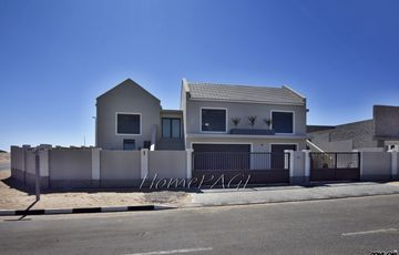 Ext 14, Swakopmund: High Lying Contemporary Marvel is for Sale