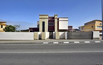Ext 8 (Hage Heights), Swakopmund: 4 Bedr Home with 2 Bedr Flat is for Sale
