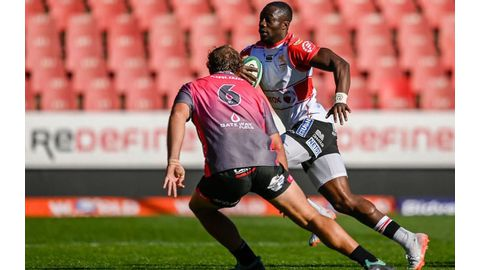 Lions snatch late win against Pumas