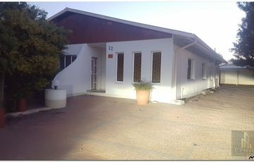Spacious Four Bedroom House in Academia