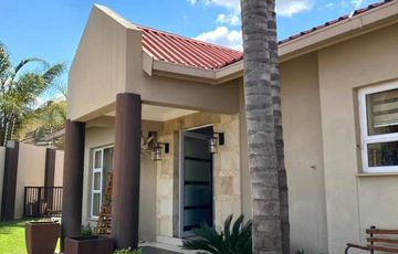 3 Bedroom House For Sale in Olympia