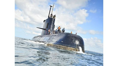 Russia joins search for missing sub