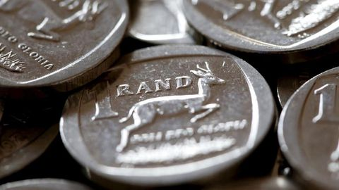 Rand goes from best to worst carry-trade in 2017