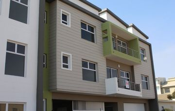 LOCATED FOR CONVENIENCE!  CENTRAL APARTMENT FOR SALE IN SWAKOPMUND, NAMIBIA!