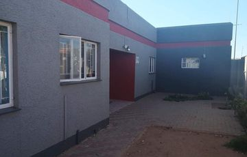 Freestanding House to Rent - Pionierspark Ext 1