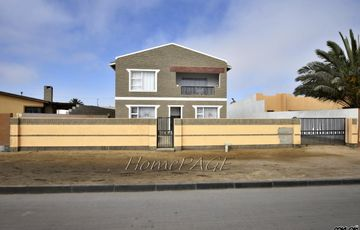 ​Tamariskia, Swakopmund: Low Maintenance Double Storey Home is for Sale