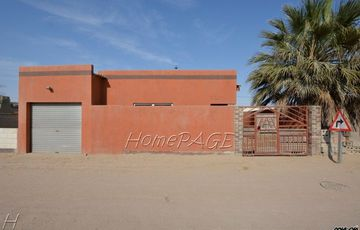Kuisebmond, Walvis Bay: 3 Bedr home is for sale