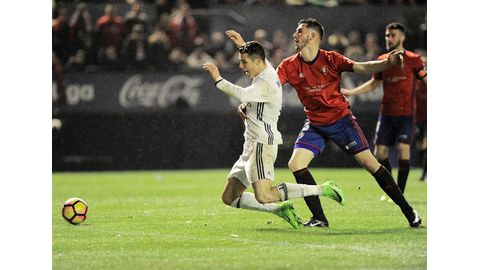 Injuries ruin victories by Madrid and Barcelona