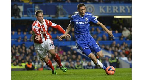 Man United sign Matic from Chelsea